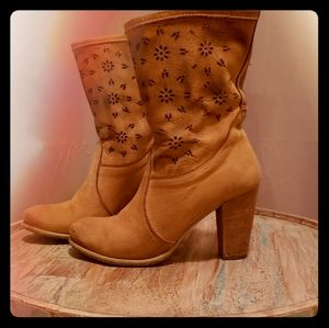 Shoes - Made in Italy gorgeous bootie